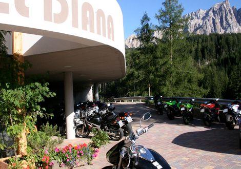 Die Kaiserjaegerrunde - Bike & Ski Hotel Diana Karersee