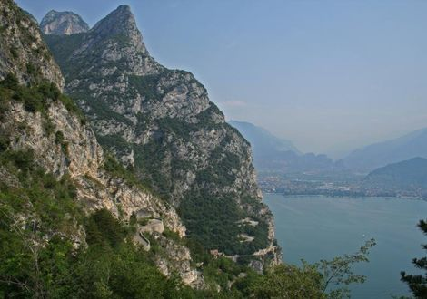 Excursion to the popular Lake Garda - Motorrad-Hotel-Südtirol Ludwigshof