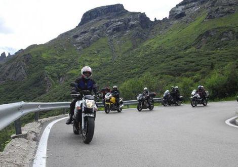 Vom Passo Manghen über Bondone zum Gardasee  - Motorrad-Hotel-Südtirol Ludwigshof