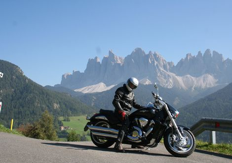 Tour to the Würzjoch across Dolomite passes - Motorrad-Hotel-Südtirol Ludwigshof