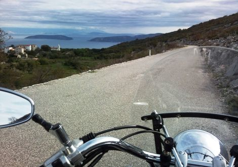 The road to hidden treasure and the griffon vulture - Hotel Valamar Diamant